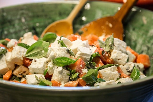 How much paneer can be consumed in a day
