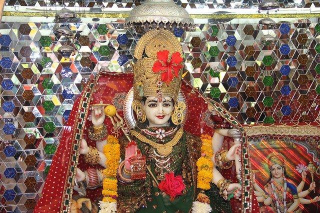 नवरात्रि में आप अपनी राशि के अनुसार मां जगदम्बा की पूजा और आराधना कर सकते हैं। फोटो: Pixabay.com)